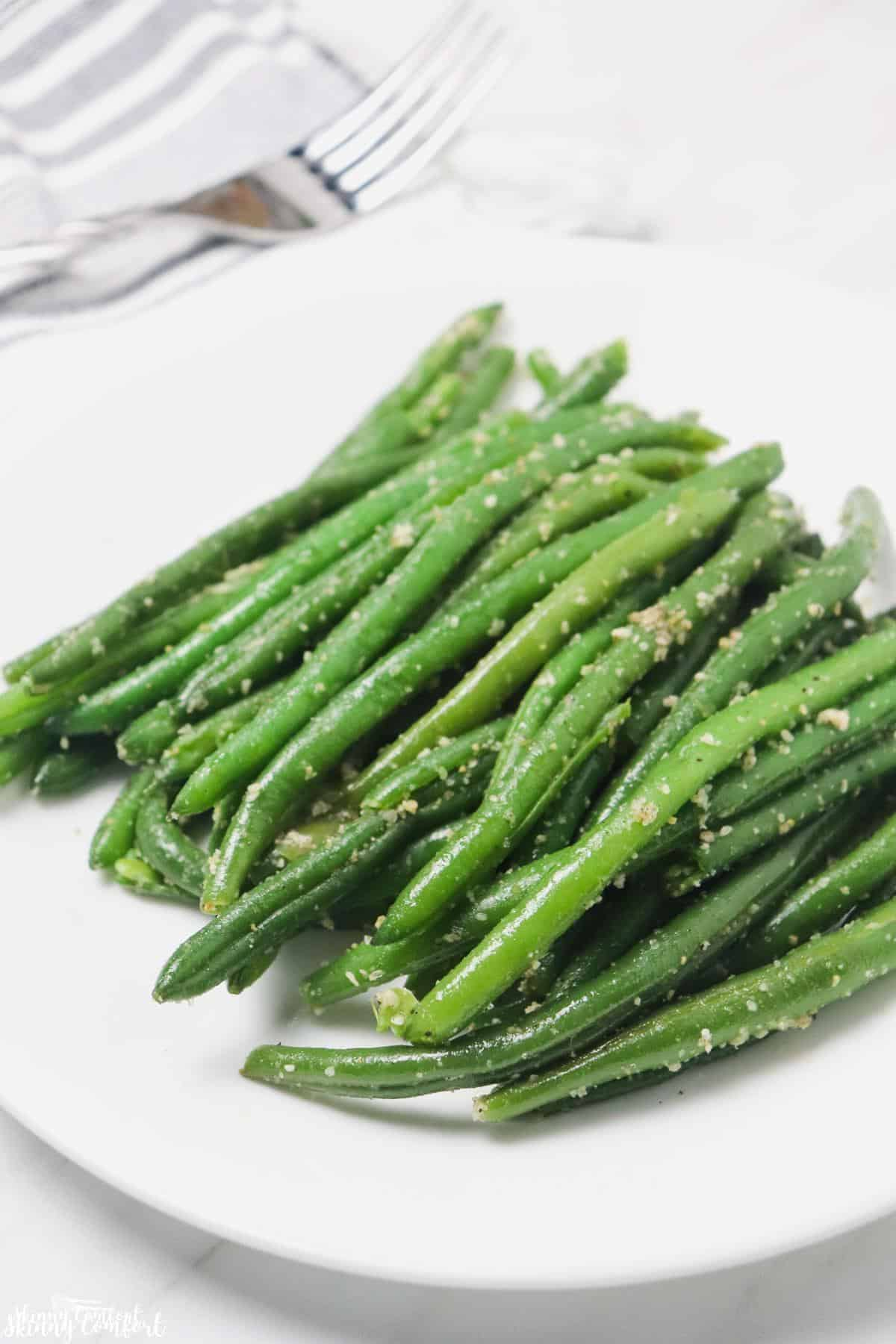instant pot green beans on plate