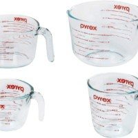 Pyrex 4-Piece Glass Measuring Cup Set with Large 8 Cup Measuring Cup, Red
