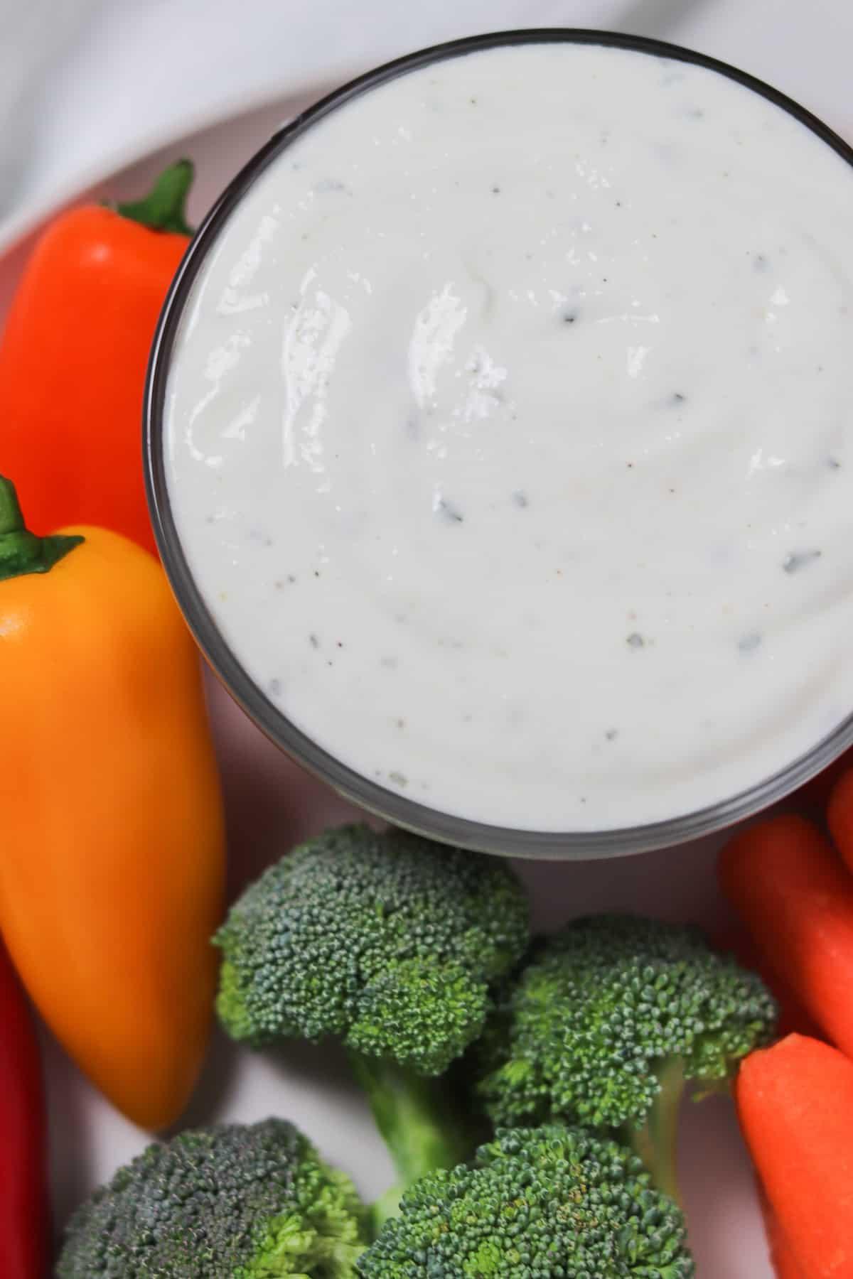 low calorie buttermilk ranch dip with veggies