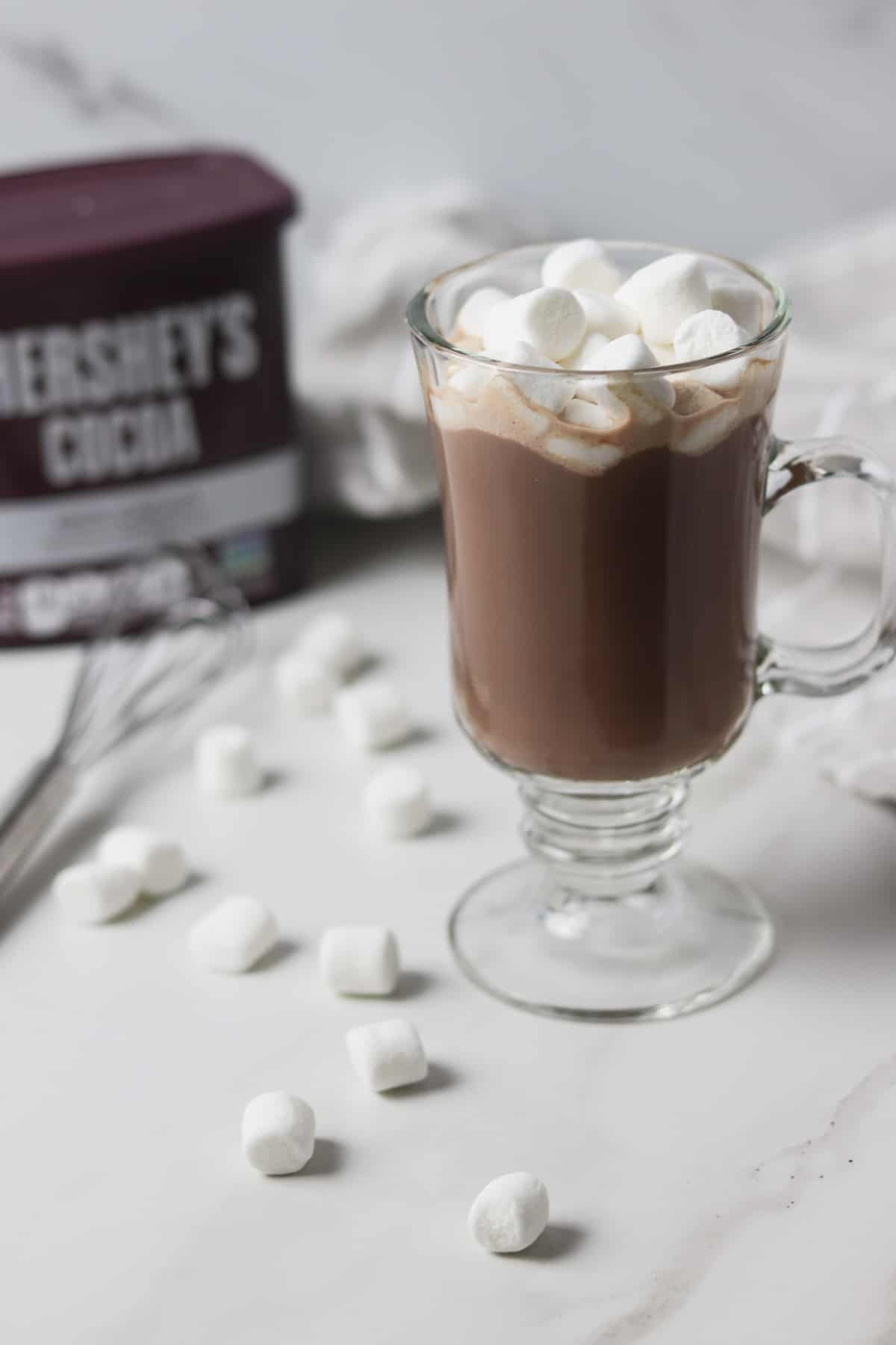 sugar-free hot cocoa with marshmallows in a clear glass